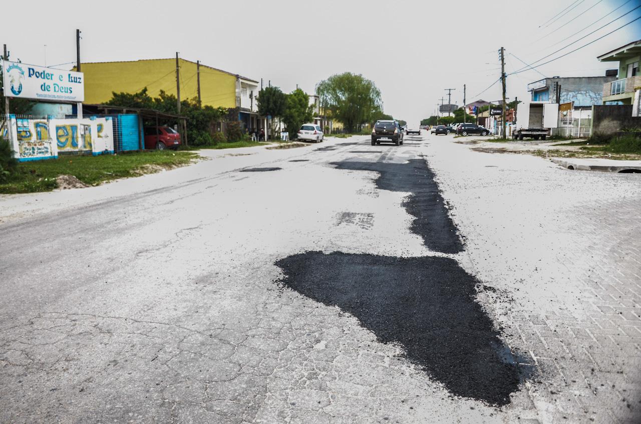 Prefeitura intensifica operação tapa-buracos após as chuvas