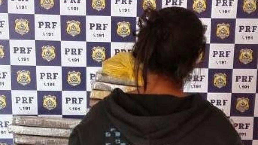 Mulher é presa em flagrante com mais de 3,5kg de drogas