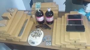 TRÁFICO : BRIGADA FLAGRA CASAL COM DROGAS