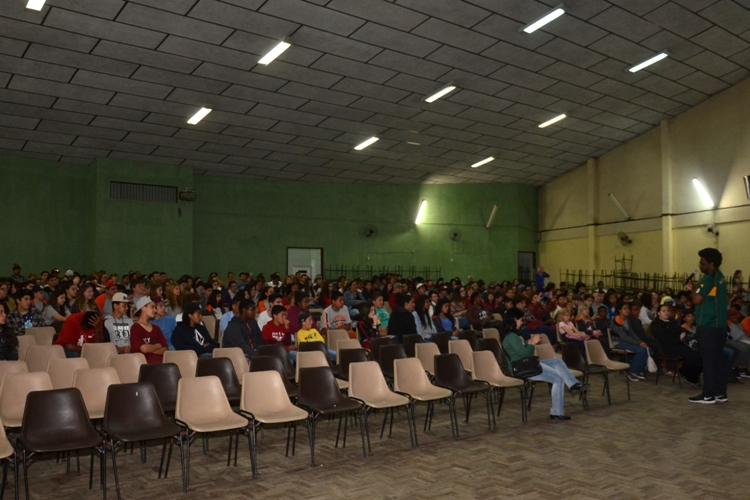 Manoel Soares palestra para alunos da rede municipal de ensino