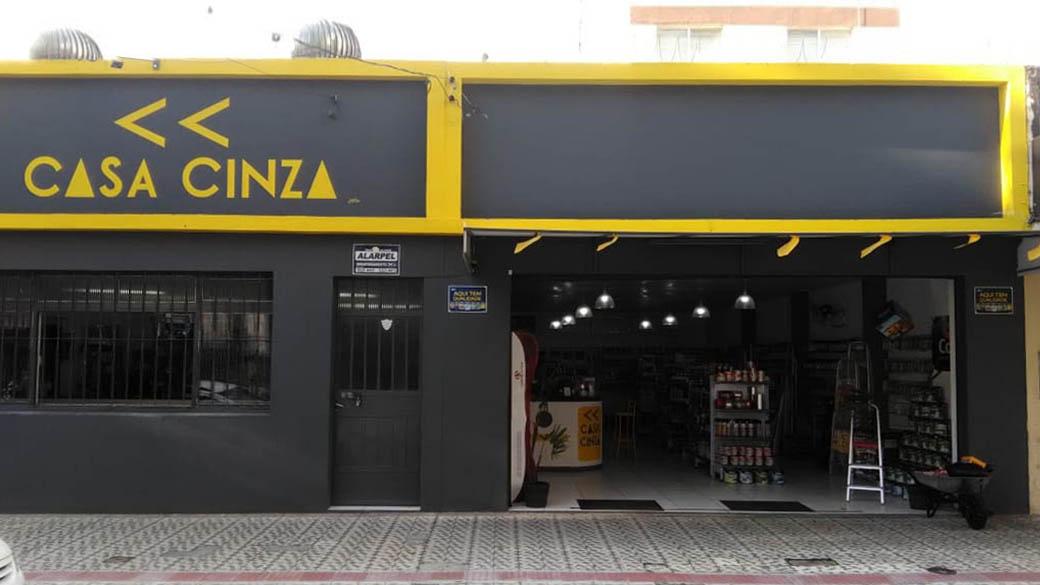 Ferragem Casa Cinza